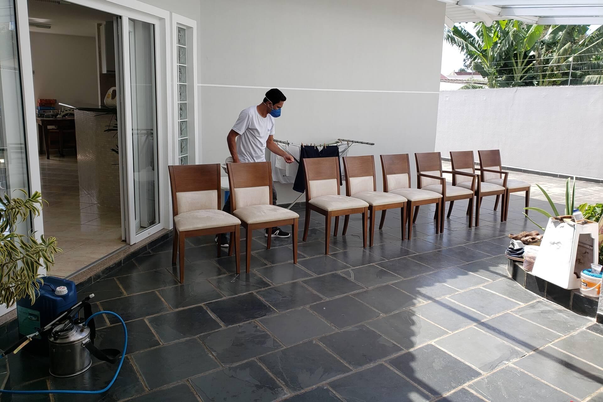 limpeza-de-cadeiras_limpeza-de-cadeiras-em-curitiba-2