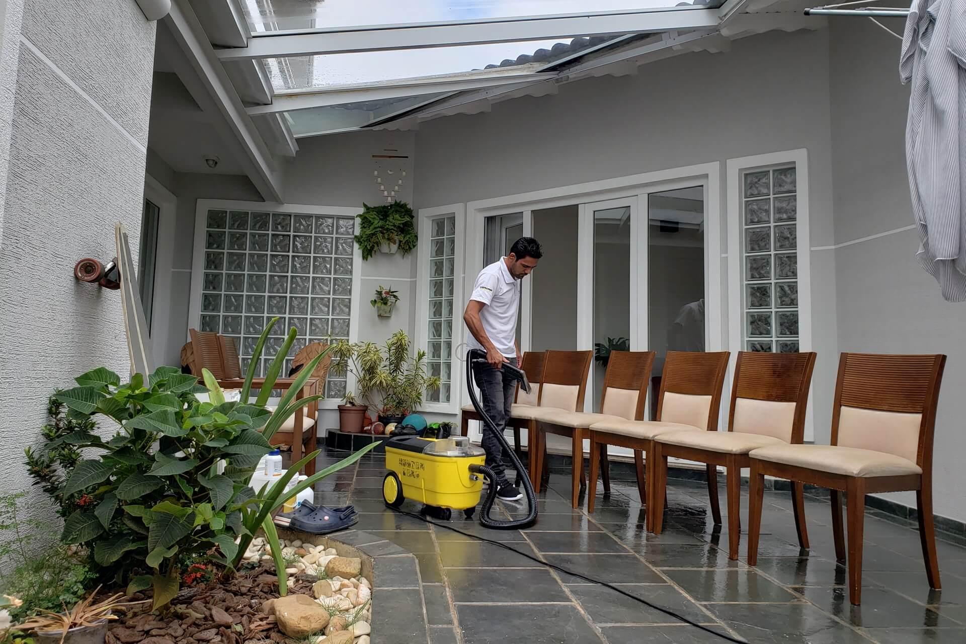limpeza-de-sofa_limpeza-de-estofados-limpeza-de-cadeiras