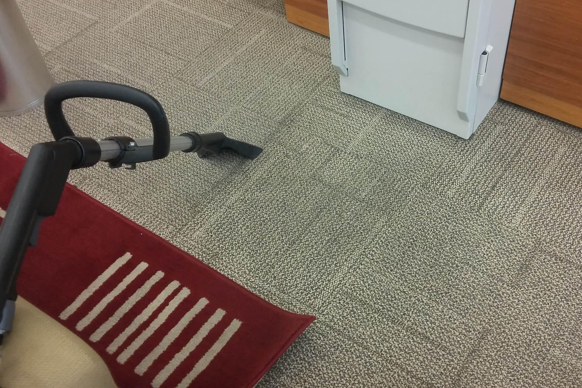 limpeza-de-sofa_slide-4-limpeza-de-carpete